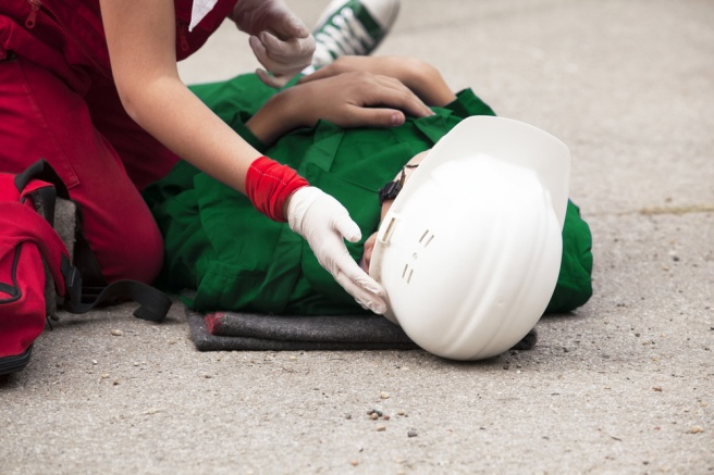 worker-with-head-injury